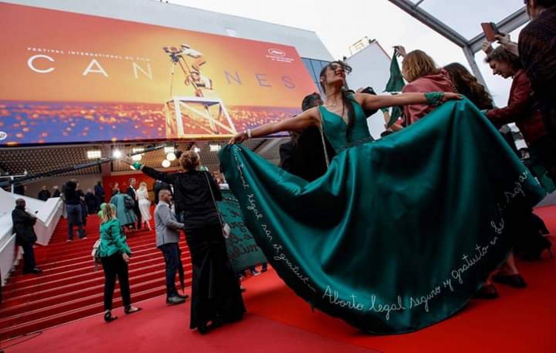 """Se presentó en Cannes la película argentina """"¡Que sea ley!"""" con intervención del colectivo feminista."""