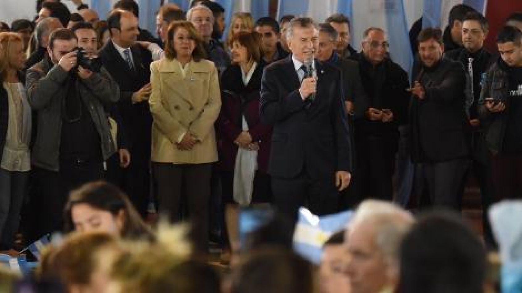 Macri no asistió al acto oficial del Día de la Bandera y culpó a los sindicatos por la desocupación
