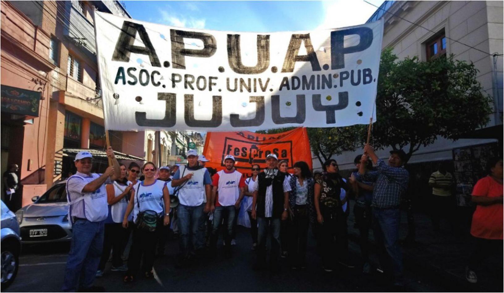Mientras Natalia Sarapura está de campaña APUAP denuncia persecución y violencia laboral en Desarrollo Humano