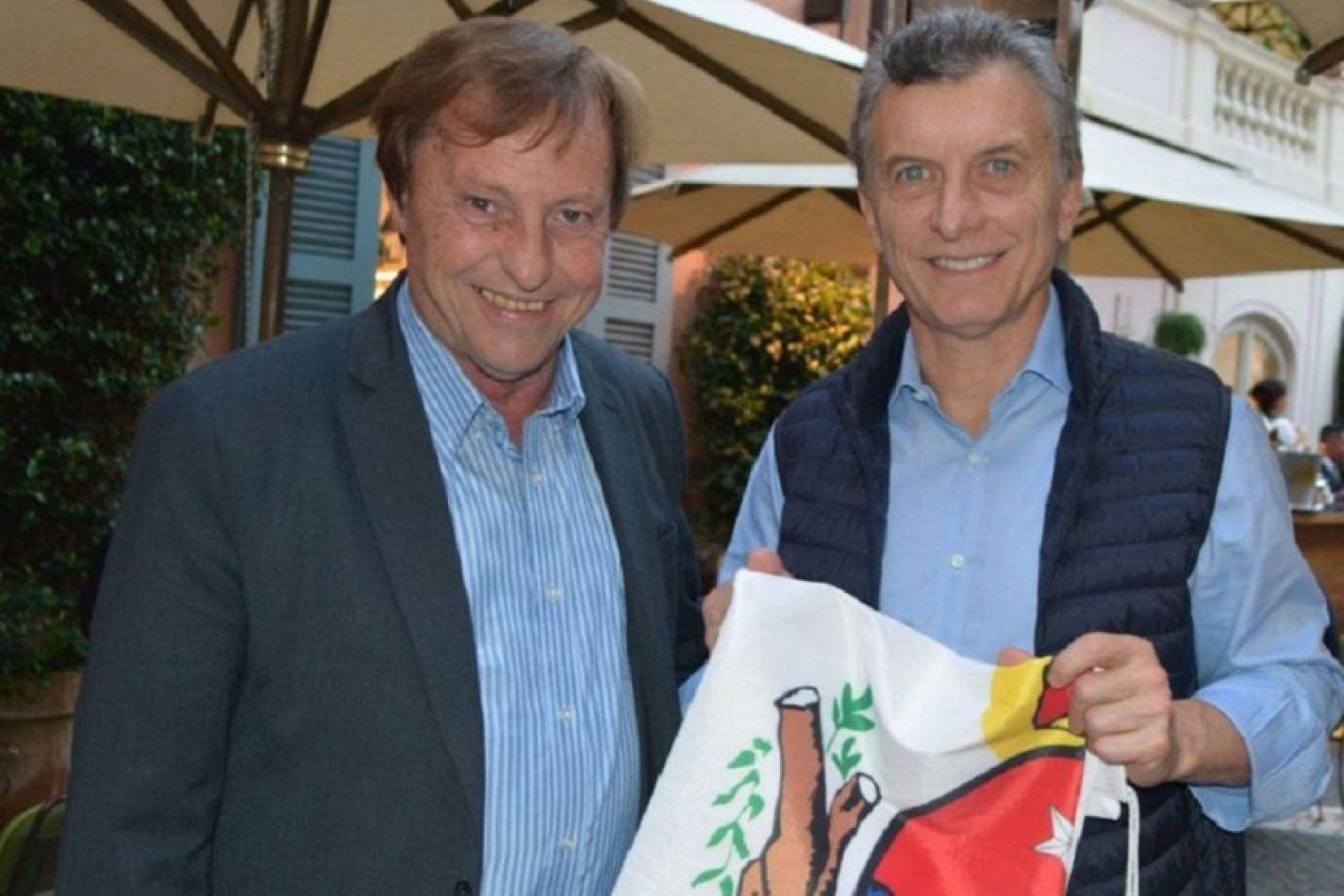 Foto: elentrerios.com. Varisco junto al ex presidente Macri
