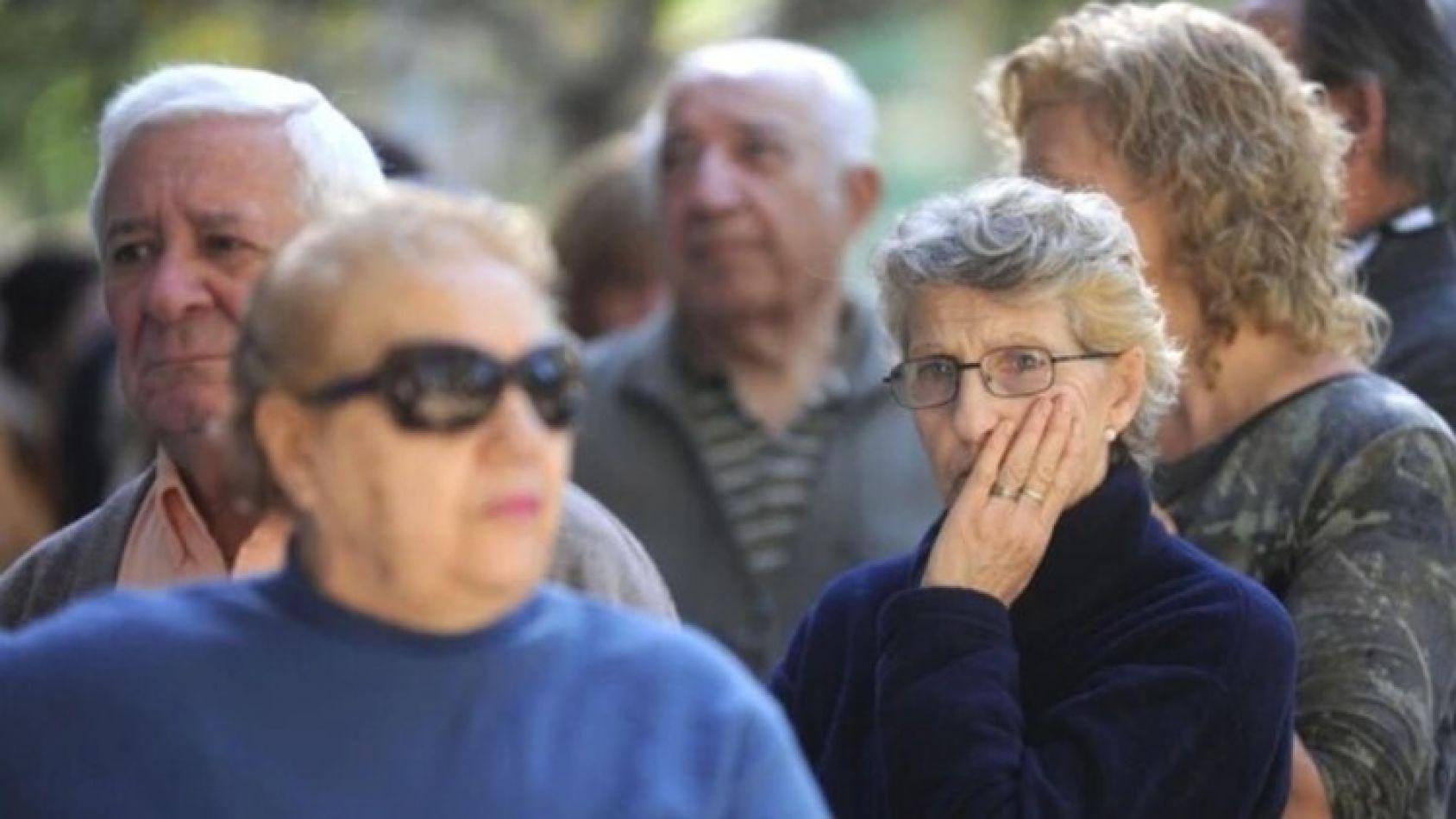 Jubilados: quienes ganan y quienes pierden con el aumento anunciado por el gobierno