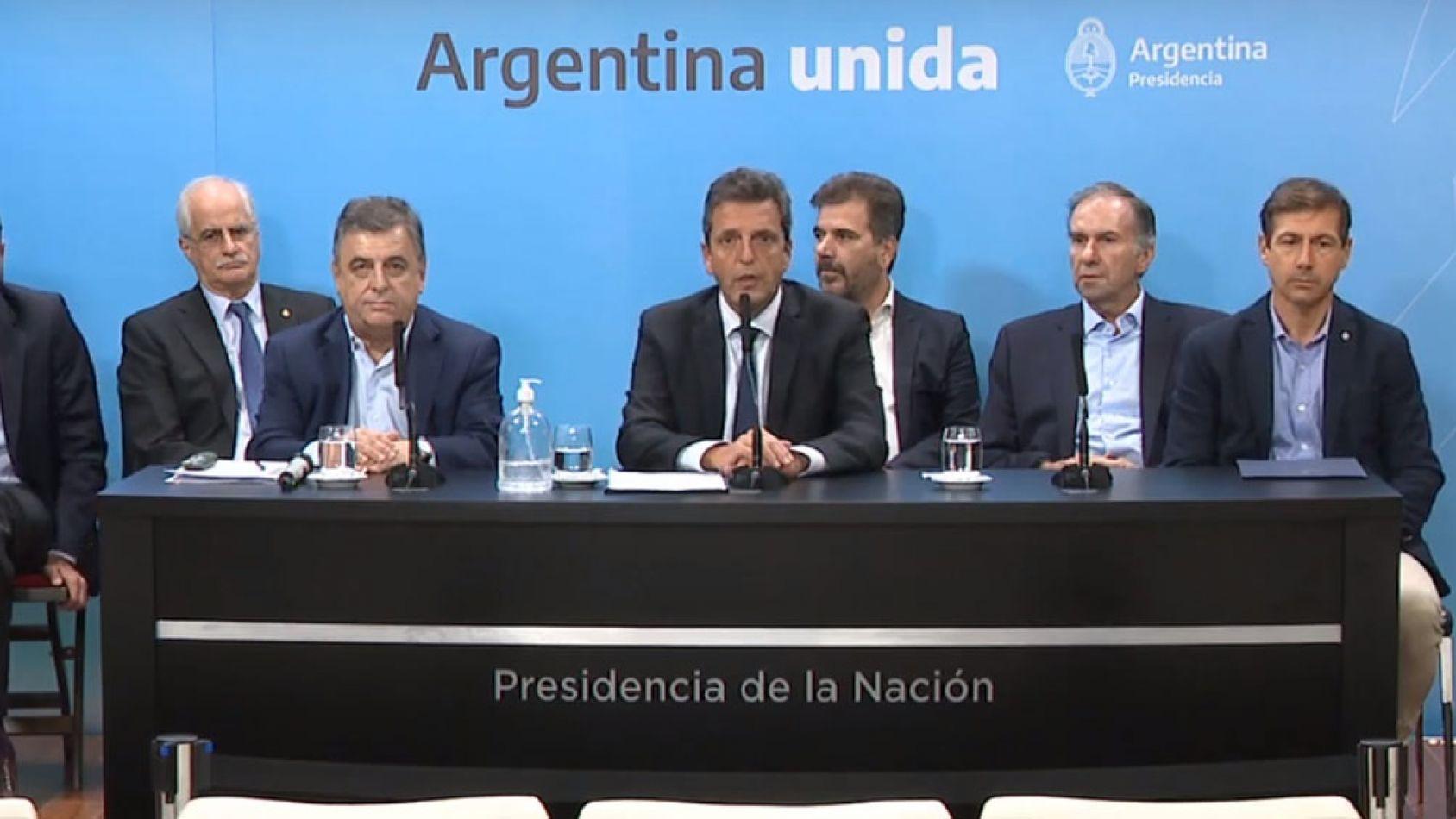 """""""Lo más importante es que acá no hay gobierno ni oposición"""", expreso Sergio Massa"""