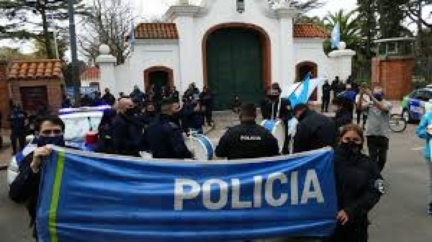 Amplio repudio a la protesta policial en Olivos