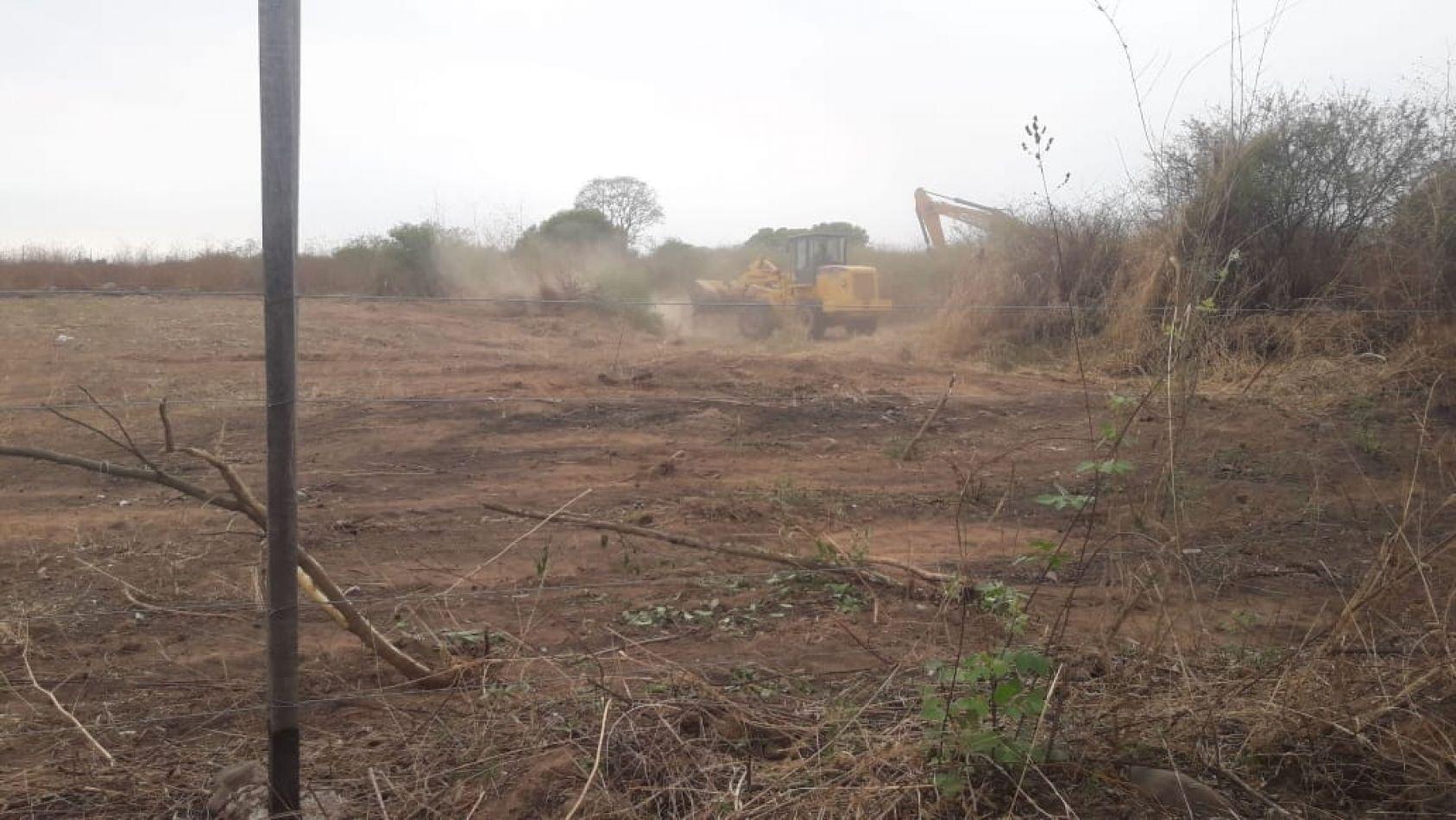 Sin orden del juez, la inmobiliaria Sucre arrasa con una topadora viviendas de la comunidad Tusca Pacha
