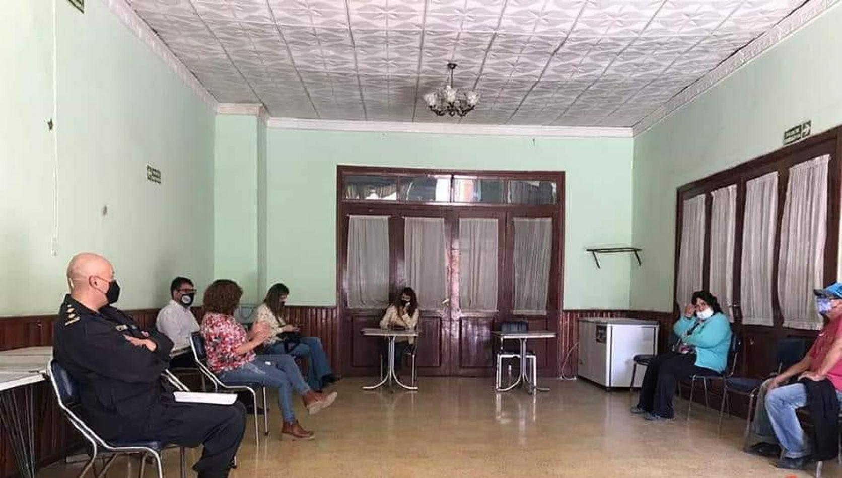 Alejandra Martínez hace proselitismo con la violencia de género en el interior