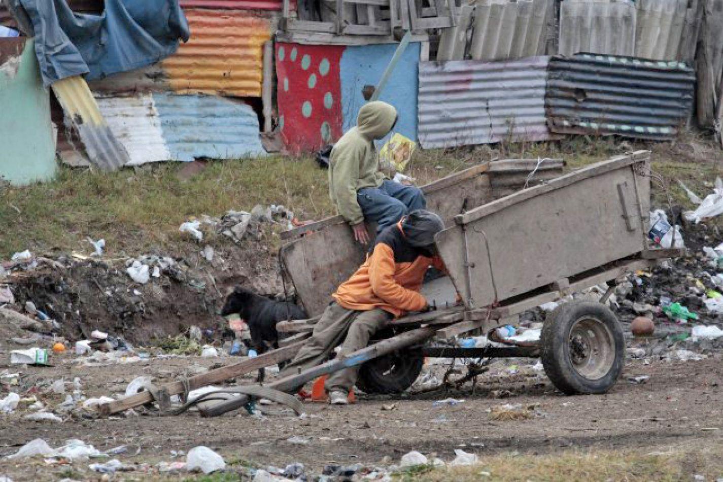 Sin asistencia del Estado, la pobreza durante la pandemia hubiese aumentado un 10% más