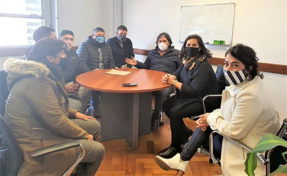 Gestionan ante Nación ayuda para trabajadores azucareros de Jujuy y Salta en periodos de interzafra
