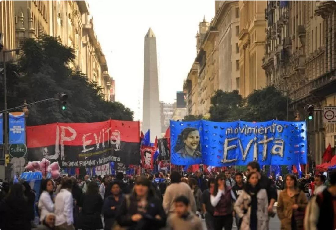 Las calles como termómetro en la crisis del Frente de Todos, hoy salen organizaciones a respaldar al presidente