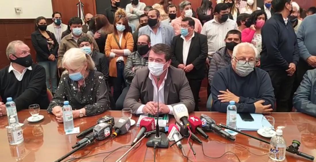 """""""Mamarracho"""", así catalogaron legisladores del PJ jujeño a la presentación de Snopek a la interna"""